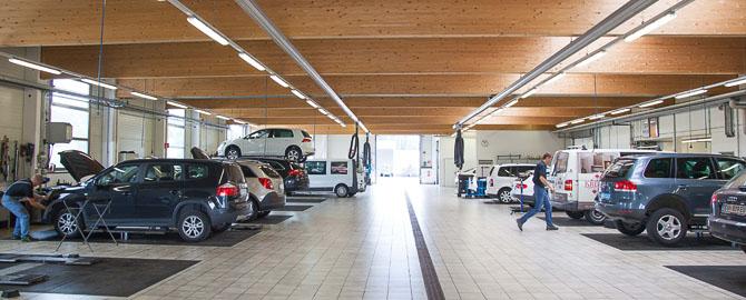 Mairhuber, AutohausMairhuber,AutomobileMairhuber, IhrSpezialist für VW,Audi, Seat,Gebrauchtwagen imSalzkammergut,Fachwerkstätte mitoptimalem Service